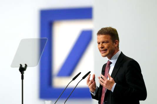 Christian Sewing, PDG de Deutsche Bank, à l'assemblée générale du groupe allemand, à Francfort, le 24 mai.