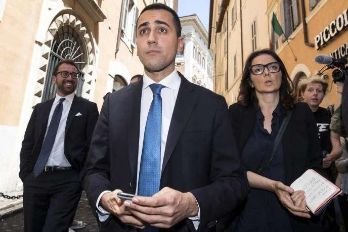Le leader du M5S, Luigi Di Maio, quitte le Parlement italien, à Rome, le 25 mai.