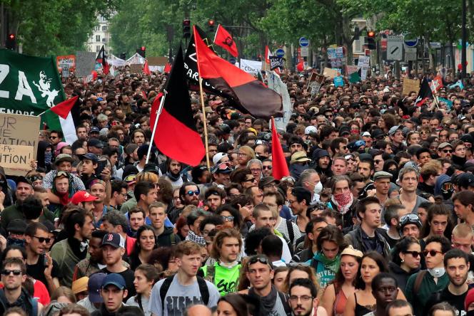 Des manifestants à Paris, le 26 mai 2018.