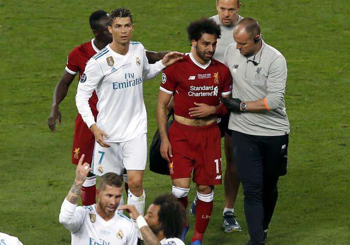 L'attaquant égyptien Mohamed Salah s'est blessé samedi lors de la finale de la Ligue des champions, à Kiev.