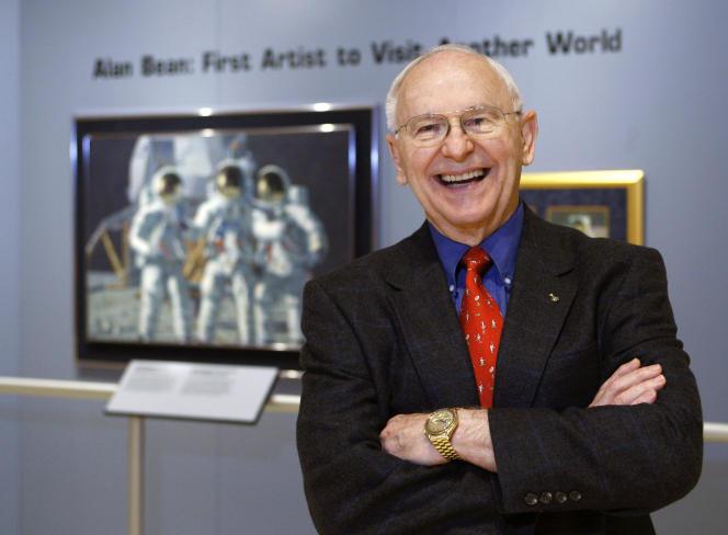 Le 1er octobre 2008, Alan Bean, lors d'un vernissage à la Lyndon Baines Johnson Library and Museum à Austin (Texas).