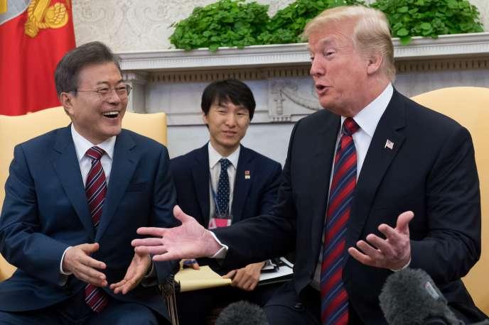 Les présidents américain Donald Trump et sud-coréen, Moon Jae-in, lors d'un meeting à la Maison Blanche, le 22 mai.
