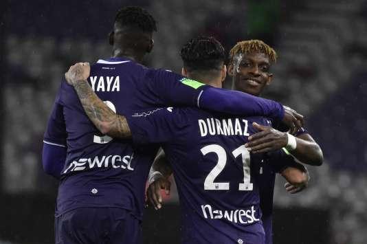 Le TFC célèbre sa victoire sur Ajaccio et son maintien en Ligue 1, à Toulouse, le 27 mai.