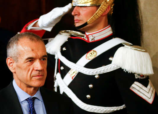 Carlo Cottarelliest un ancien haut responsable du Fonds monétaire international (FMI).
