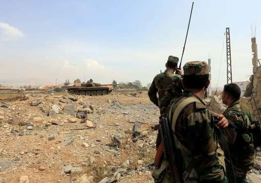 Près de Yarmouk (Syrie), un quartier de Damas repris par l'armée syrienneà l'organisation Etat islamique,le 29 avril.