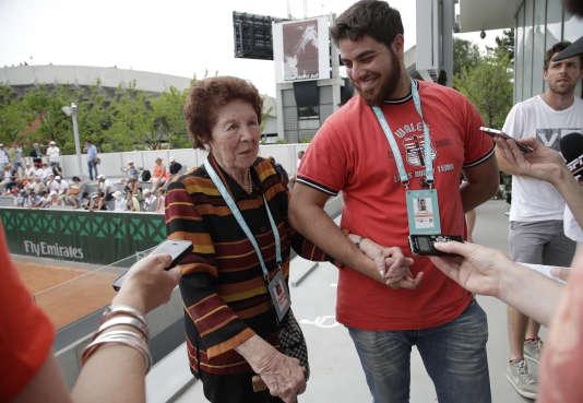 Dafne, la grand-mère, et Andre, le frère de Marco.