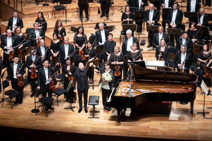 Yannick Nézet-Séguin, Hélène Grimaud et l'Orchestre de Philadelphie à la Philharmonie de Paris, le 26 mai 2018.