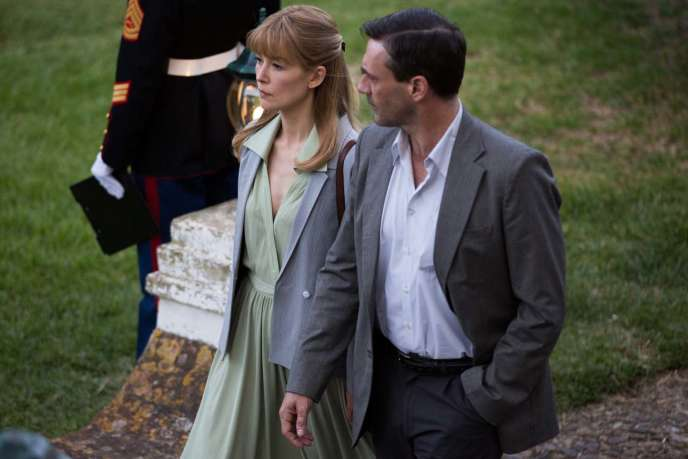 Rosamund Pike etJon Hamm dans« Opération Beyrouth» (« Beirut»), de Brad Anderson.