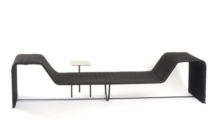 Lit de repos en métal Safe Rest enmousse et cuir de Ronan Bouroulles, prototype de 1999