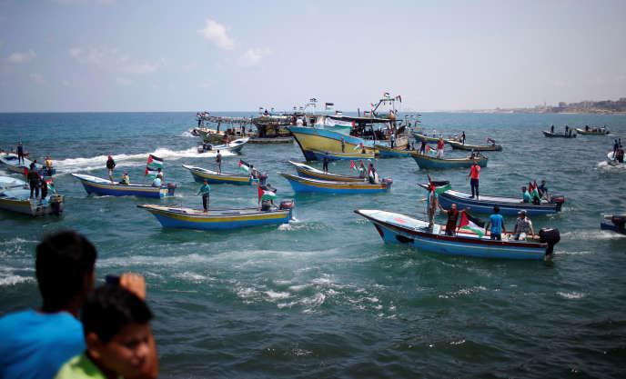 Un bateau palestinien prend la mer pour briser le blocus israélien le long des côtes gazaouies, mardi 29mai2018.