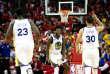Les Warriors ont été portés par leurs stars Kevin Durant (34 points) et Stephen Curry (27 points).