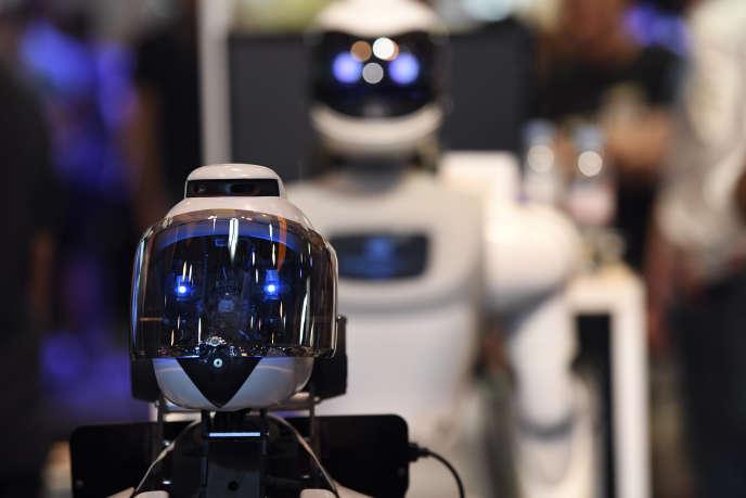 Des robots du stand de la société française Cybedroïd au Salon Viva Technology à Paris, le 26 mai.