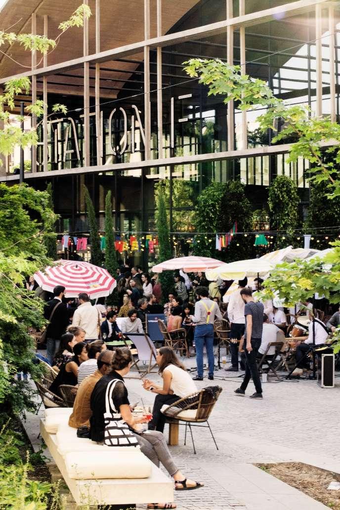 La Felicita, restaurant géant, vient d'ouvrir sous la halle Freyssinet, dans le 13e arrondissement de Paris.