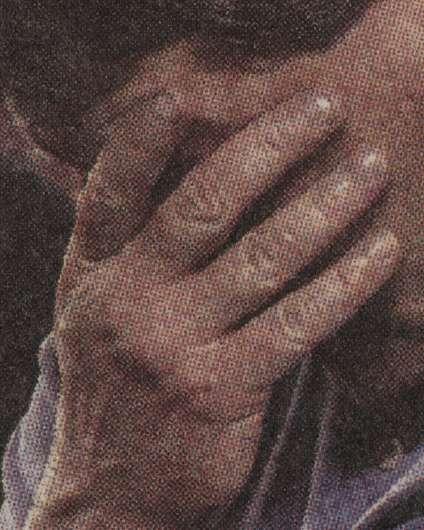 Andres Gonzalez a également rassemblé des articles de journaux sur les fusillades. Ici, une photo tirée de l'«Observer-Reporter» de Pennsylvanie, après la tuerie de Virginia Tech, à Blacksburg, en Virginie, le 16 avril 2007.