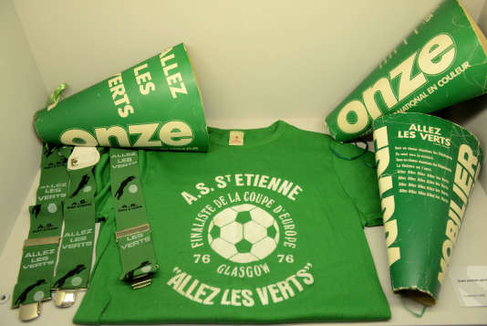Saint-Etienne (42) : Le musée des Verts, musée du club de l'AS Saint-Étienne, inauguré le 21 décembre 2013. Il se situe dans l'enceinte du stade Geoffrey Guichard et contient plus de 1000 objets répartis sur une surface de 800 m2. ; Saint-Etienne; musée; lieu culturel; sport; football; club de football; AS Saint Étienne; objet; collection; salle d'exposition; Verts; musée des Verts; musée sportif; stade; Geoffroy Guichard; visiteur; visite; vêtement; t.shirt; supporter; merchandising; tourisme; lieu touristique; foot; sport d'équipe; t.shirt; vêtement; supporter; merchandising; | Saint-Etienne (42): The Green Museum, museum club AS Saint-Étienne, opened December 21, 2013. It is located inside the Geoffrey Guichard stadium and contains over 1,000 objects spread over an area of ??800 m2. [AT] ; Saint-Etienne; museum cultural center, sport soccer, football club, AS Saint Etienne, object collection, showroom, Greens, Greens museum, sports museum stage; Geoffroy Guichard, visitor, visit, garment; t.shirt, support, merchandising, tourism, tourist attraction, football, team sports; t.shirt; garment support; merchandising; [AT]