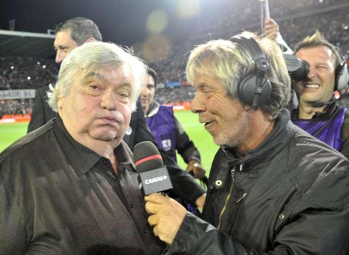 Laurent Paganelli interroge Louis Nicollin, président du club de Montpellier, le 13mai 2012.