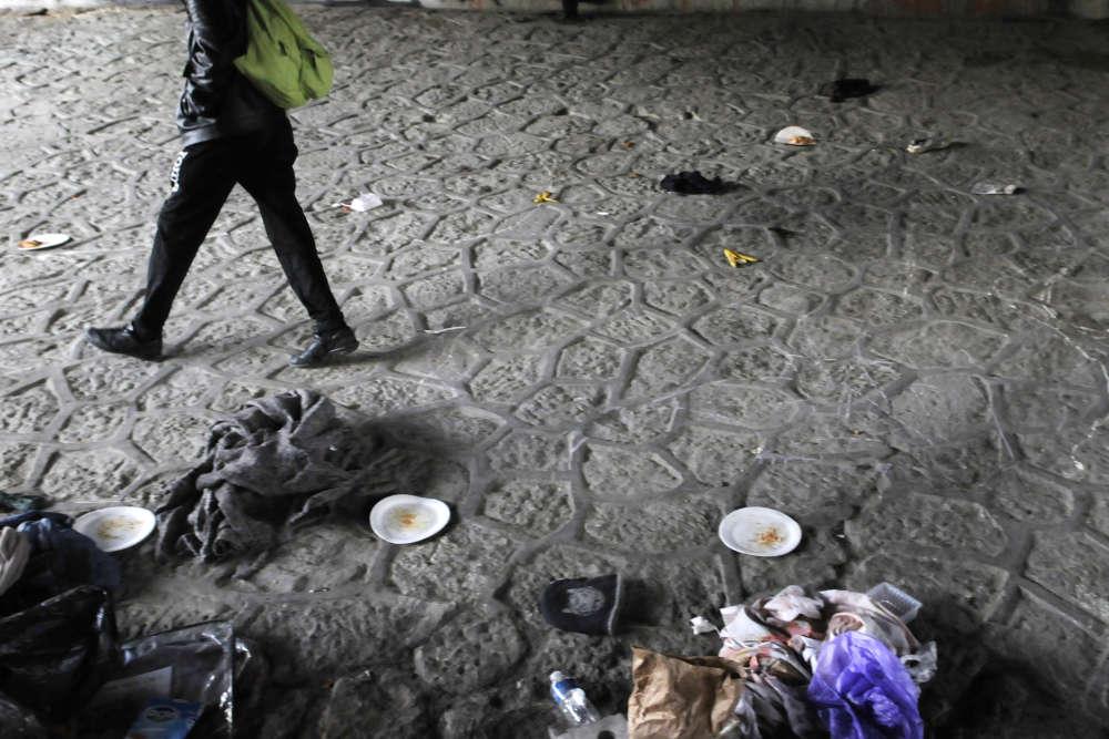 Les autorités ont également annoncé mercredi l'évacuation «dès que possible» (sans doute la semaine prochaine) des deux autres gros campements de migrants à Paris, le long du canal Saint-Martin et de la porte de laChapelle, où vivent au total environ huit cents personnes.