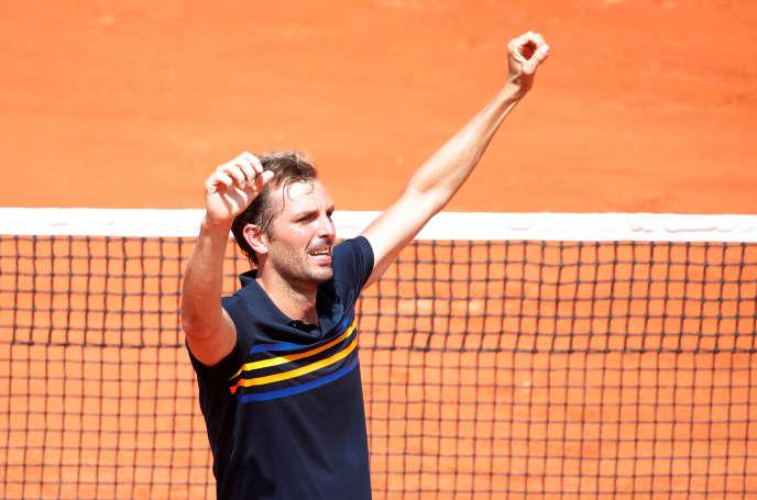 L'émotion de Julien Benneteau après sa victoire contre Leonardo Mayer.