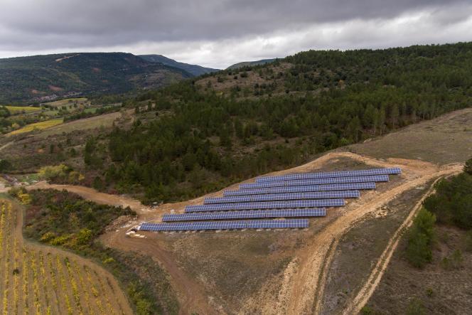 Panneaux photovoltaïques, à Luc-sur-Aude (Aude), en octobre2017.