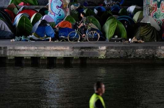 Mercredi 30 mai, après l'évacuation du camp du Millénaire, à Paris.