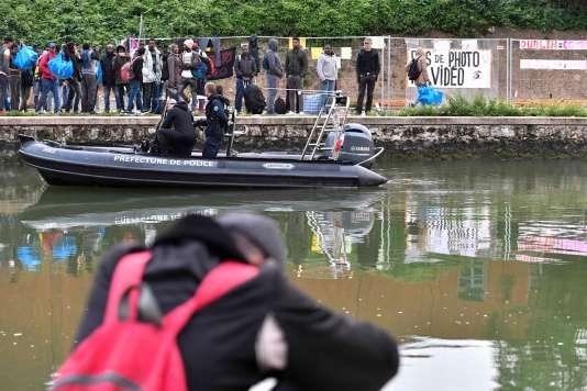 Les forces de l'ordre ont lancé mercredi30mai au matin l'opération d'évacuation du campement de migrants du Millénaire, dans le nord de Paris.