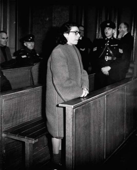 Un livre accuse Ans van Dijk, une juive néerlandaise (ici à son procès en 1947), d'avoir dénoncé Anne Frank et sa famille.
