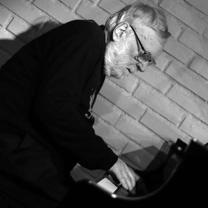 Le jazzman François Tusques au Sunside, à Paris, en décembre2017.