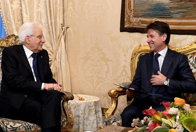 Le président italien, Sergio Mattarella, et le premier ministre, Giuseppe Conte, au palais du Quirinal, à Rome, le 31 mai.