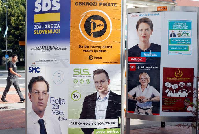 Un panneau électoral à Ljubljana, le 31mai 2018.