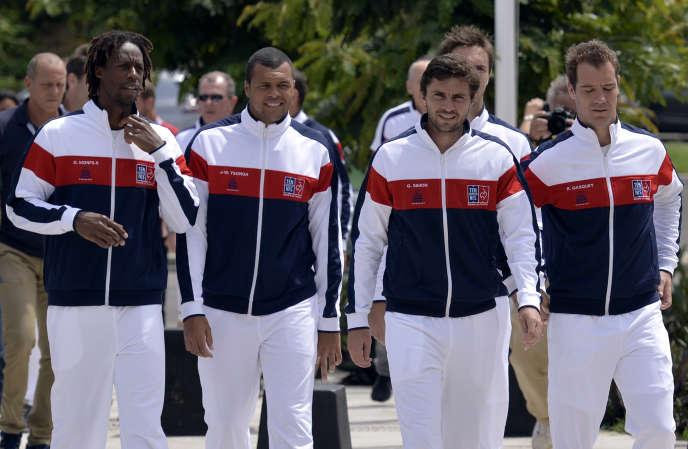 Les Mousquetaires (de gauche à droite) Gael Monfils, Jo-Wilfried Tsonga, Gilles Simon, le 3 mars 2016 à Point-à-Pitre avant un match de Coupe David.