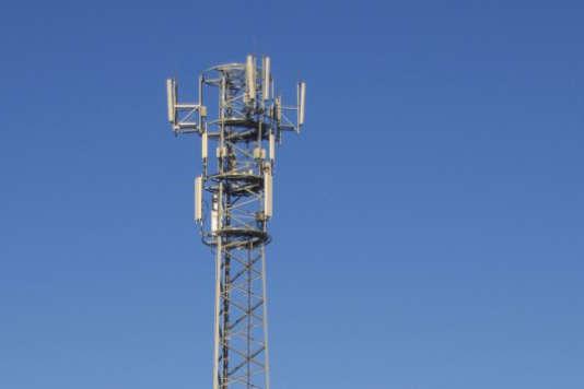 Le DAS mesure les émissions d'ondes des mobiles dans les pires conditions, quand l'antenne est éloignée et difficile à joindre par exemple.