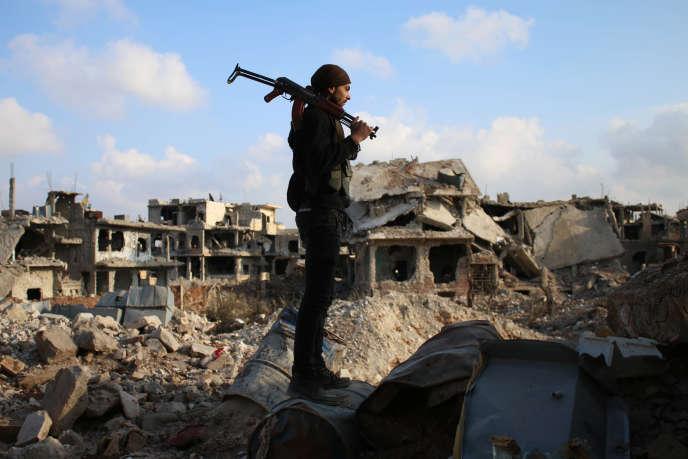 Un rebelle syrien, à Deraa (Syrie), en mars 2017.