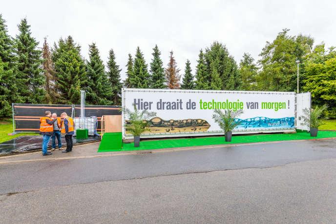 En Belgique, Waterlink teste une installation compacte qui peut rendre « propres » des eaux utilisées par un immeuble d'une centaine d'habitants.