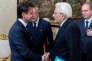 Le premier ministre italien, Giuseppe Conte, sert la main du président de la république, Sergio Mattarella, au palais du Quirinal à Rome, le 31 mai.