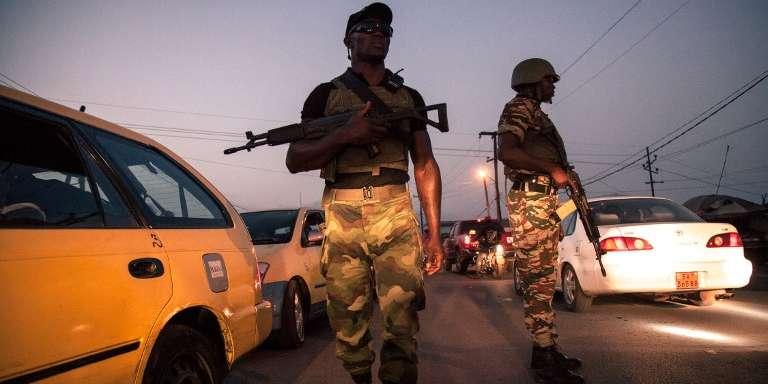 Des soldats de la 21e Brigade d'infanterie motorisée à Buéa, au Cameroun, le 26avril 2018.