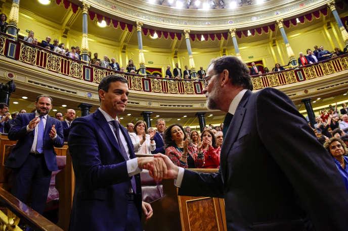 Pedro Sanchez et Mariano Rajoy, le 1er juin à Madrid.