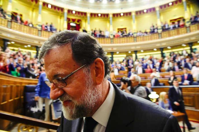 Mariano Rajoy quitte le Parlement, le 1er juin 2018, à Madrid.