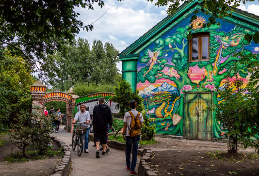 Il flotte toujours à Christiania une atmosphère particulière, entre contre-culture et utopie hippie.