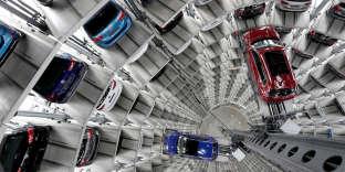 Des véhicules Volkswagen sur le site du constructeur à Wolfsburg, en Allemagne.