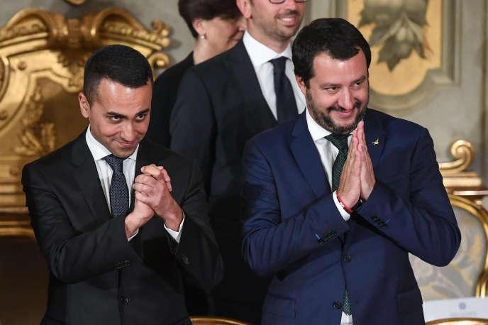 Matteo Salvini (à droite) et Luigi Di Maio pendant la cérémonie de prestation de serment au palais du Quirinal, à Rome, le 1er juin.