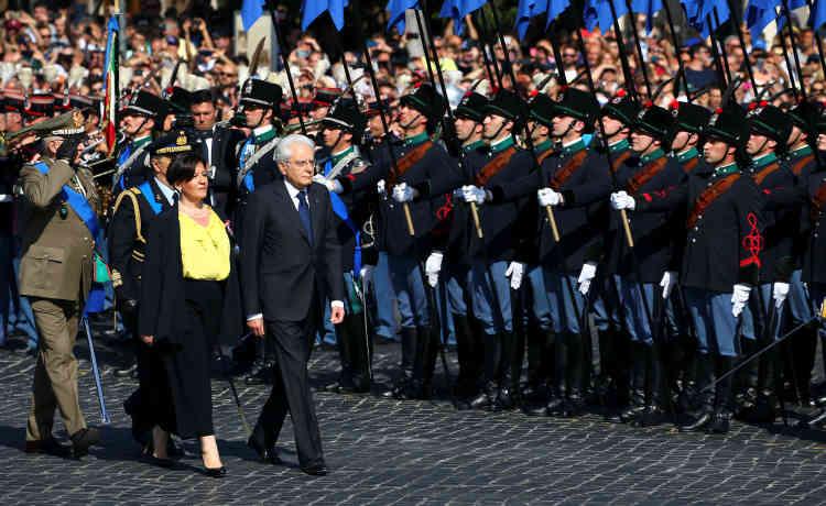 Le président italien, Sergio Mattarella, continuera aussi de veiller au bon fonctionnement des institutions, sous l'impulsion de cet attelage inédit.