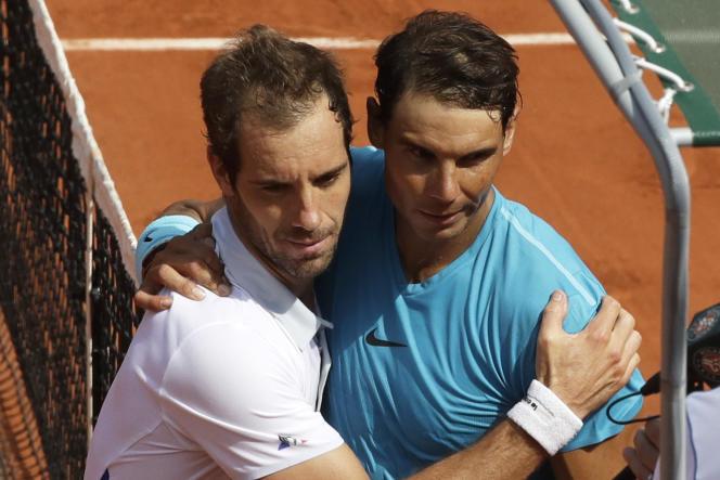 Rafael Nadal et Richard Gasquet se salue à la fin de leur seizième affrontement – le seizième perdu par le Français.