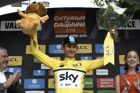 Vainqueur du prologue du Critérium du Dauphiné, le Polonais Michal Kwiatkowski est le premier maillot jaune de la course.