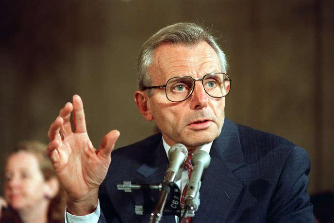 Frank Carlucci, en 1988.