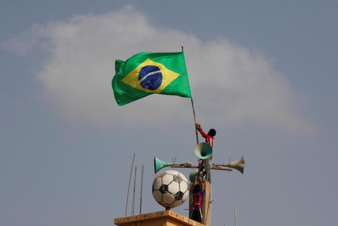 Parmi les équipes déjà titrées, celle du Brésil est de loin la plus grande voyageuse.