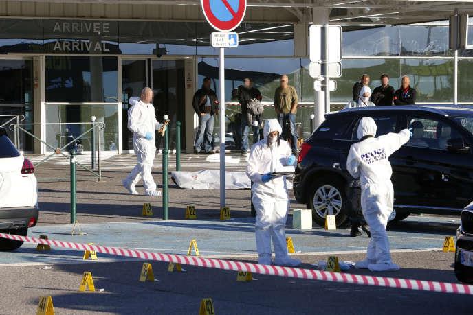 A l'aéroport de Bastia, après l'assassinat de deux figures du banditisme, le 5 décembre 2017.