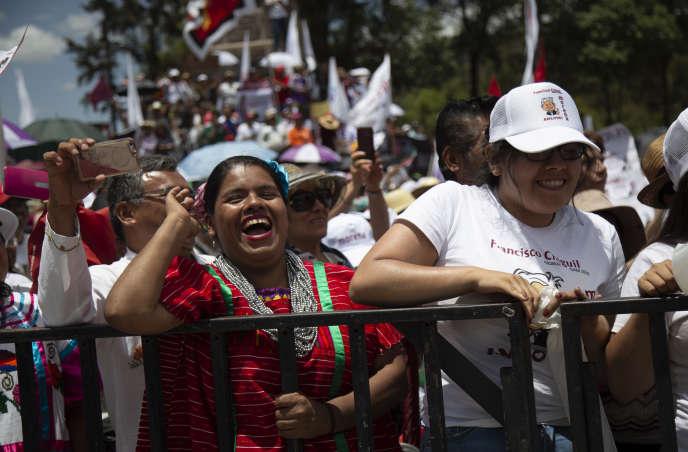 Lors d'un meeting de campagne d'Andres Manuel Lopez Obrador, ou AMLO, à Mexico le 3 juin.