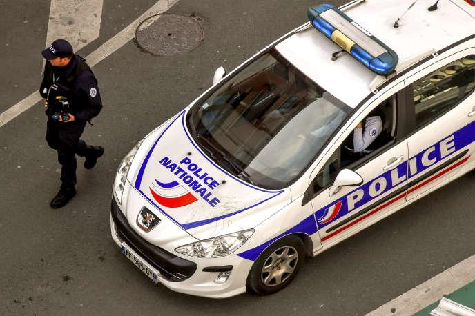 Une voiture de la police nationale, le 10avril 2018, à Lille, dans le nord de la France.