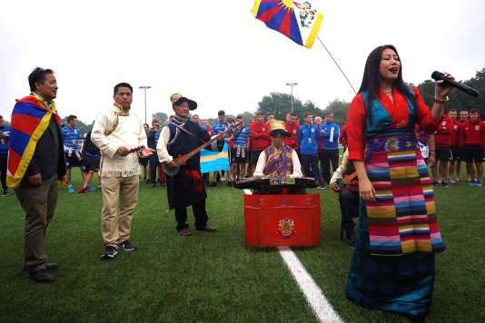 La cérémonie d'ouverture de la conIFA avec une chanteuse tibétaine (photo Julien Duez).