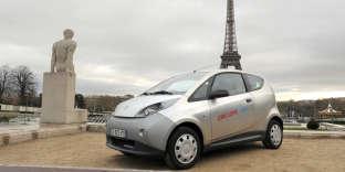 Opération de promotion pour Autolib, à Paris, le 29 novembre 2012.